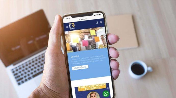 imagen de República AFAP incorpora el servicio de WhatsApp a sus vías de contacto
